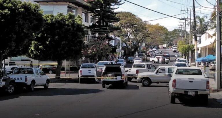 Man shot dead at broad daylight in a Cuernavaca restaurant